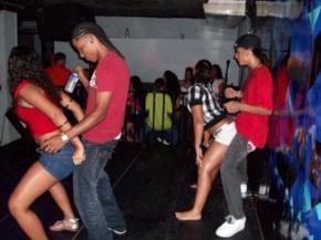 El juego de la 'ruleta sexual' llega a los jóvenes latinoamericanos